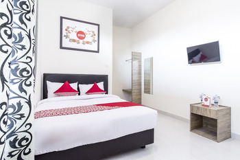 OYO 873 Kamani Homestay Syariah Medan - Suite Double Regular Plan