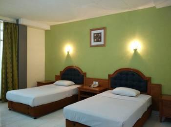 Benteng Hotel Padang - Deluxe Room Regular Plan