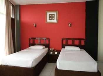 Benteng Hotel Padang - Deluxe Room #WIDIH - Pegipegi Promotion