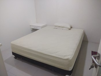 OYO Life 2516 Tonysugenx Residence