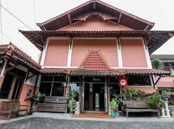 NIDA Rooms Mantrijeron Tugu Station