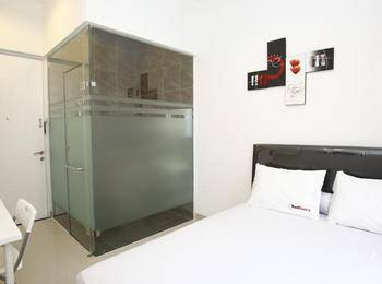 RedDoorz at Taman Lebak Bulus - Reddoorz Room Regular Plan