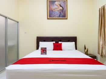 RedDoorz @ Cempaka Putih Jakarta - RedDoorz Room 24 hours deal