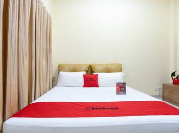 RedDoorz @ Cempaka Putih Jakarta - Promo Room Regular Plan