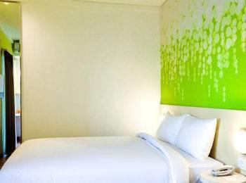 Zest Hotel Legian - Kamar Queen dengan balkon Tanpa sarapan  Pay now and Save 15%