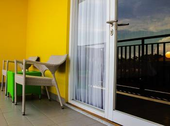 Zest Hotel Legian - Zest Queen Balcony Room Regular Plan