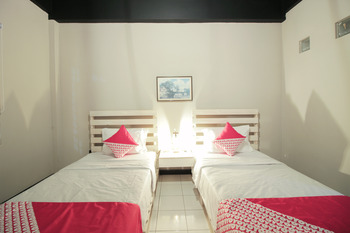 OYO 260 Home 33 Bandung - Standard Twin Room Regular Plan