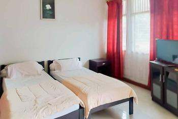 Rumah Pahoman Syariah Bandar Lampung - Twin Room Basic Deals