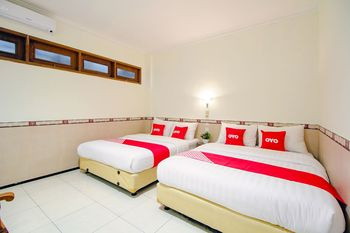 OYO 1683 Hotel Musafira Syariah Yogyakarta - Standard Family Room Early Bird Deal
