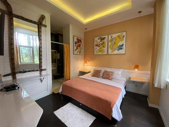 The Peak Home Boutique Hotel Bandung - Romantic Suite Longstay Deals