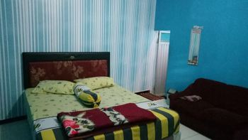 Villa Vander Pasuruan - Standard Double Room Only FC Minimum Stay