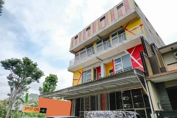 SPOT ON 2387 Bukit Cemara Tidar Family