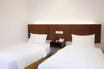 Kawana Hotel Padang - Superior Twin Room Regular Plan