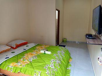 Istana Bromo Resort and Resto Probolinggo - Standard Room Basic Deal
