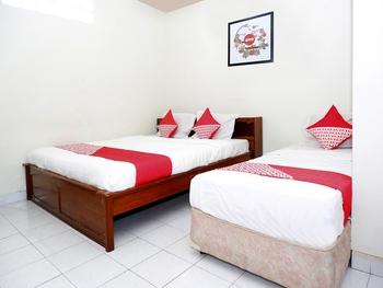 OYO 1196 Hotel Pura Puspa Rosa Yogyakarta - Suite Triple Regular Plan