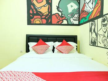 OYO 1853 Guest House D'makmoer Belitung - Standard Double Room Regular Plan