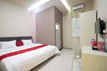 RedDoorz near IPB Dramaga Bogor Bogor - RedDoorz Room Basic Deal