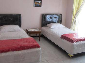 Sandubaya Guest House Malang - Standard AC Twin Bed Regular Plan