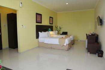 Bahamas Hotel Belitung - Deluxe non Sea View Room Special Promo 53% OFF