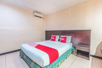 OYO 1383 Taman Cibinong 2 Bogor - Deluxe Double Room Regular Plan
