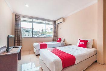 OYO 1383 Taman Cibinong 2 Bogor - Deluxe Twin Room Regular Plan