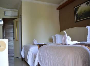 Kabana Hotel Mataram - Deluxe Room Promo