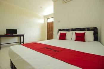 RedDoorz @ Malalayang Manado Manado - RedDoorz Room with Breakfast Last Minute