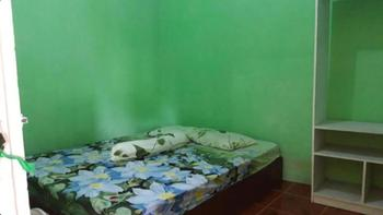 Toto Homestay Magelang - Standard Double Room with Private Bathroom Room Only FC Special Deal