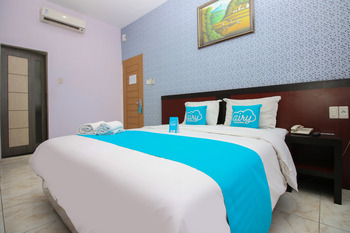 Airy Medan Helvetia Tengku Amir Hamzah 38 - Superior Double with Breakfast Special Promo June 28