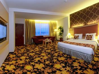 Rocky Plaza Hotel Padang - Junior Suite Room Regular Plan