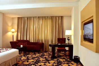 Rocky Plaza Hotel Padang - Kamar Executive King Regular Plan