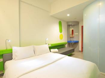 POP Hotel Diponegoro Surabaya - POP Room Breakfast for 1 Person Regular Plan
