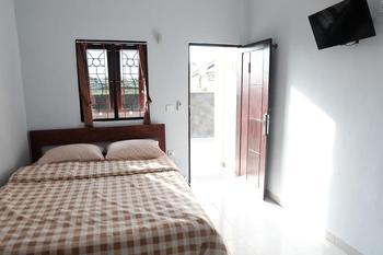 Estedela Hotel Manggarai Barat - Standard Room Only FC Special Deal