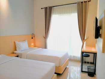 Goya Hotel Probolinggo Probolinggo - Superior Room Regular Plan