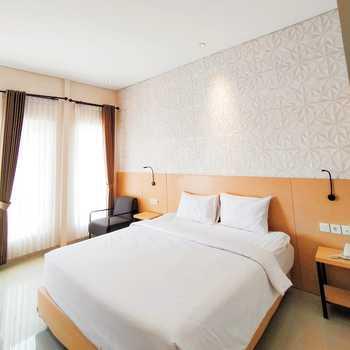 Goya Hotel Probolinggo Probolinggo - Deluxe Room Regular Plan