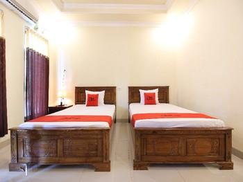 RedDoorz Syariah @ Kompleks Candi Borobudur Magelang - Twin Room Regular Plan