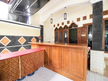 RedDoorz Syariah @ Kompleks Candi Borobudur Magelang - RedDoorz Room Regular Plan