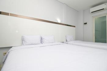 Sky Inn Peterongan 1 Semarang Semarang - Family Room Only Regular Plan
