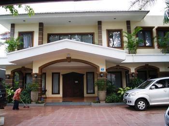 Tinggal Standard Jalan Sumatera Gubeng