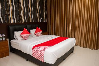 OYO 149 JKostel Palembang - Suite Double Room Regular Plan