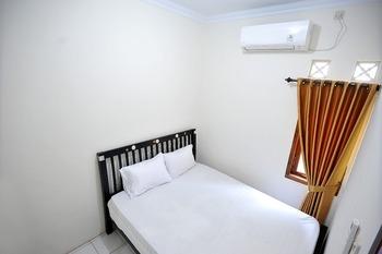 ADARO Homestay Yogyakarta - Standard Double Room Only Regular Plan