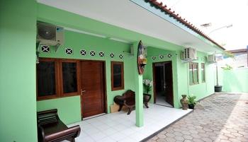 ADARO Homestay