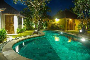 Dyana Villas Bali - 4 Bedrooms Villa crazy RO
