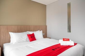 RedDoorz Premium near CBD Puri Indah Jakarta - RedDoorz Room last minute