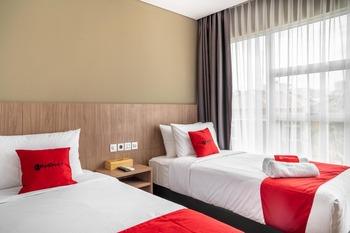 RedDoorz Premium near CBD Puri Indah Jakarta - RedDoorz Twin Room last minute