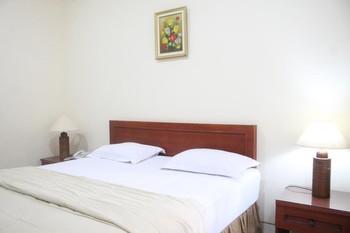 Gardena Homestay  Surabaya - Deluxe Double Room Basic Deal 40%