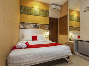 RedDoorz near Exit Toll Kota Satelit 2 - RedDoorz Room Basic Deal