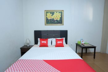 OYO 1864 Tiara Guest House Banjarmasin - Standard Double Room Regular Plan