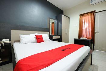 RedDoorz near Moro Mall Purwokerto Banyumas - RedDoorz Deluxe Room with Breakfast Regular Plan