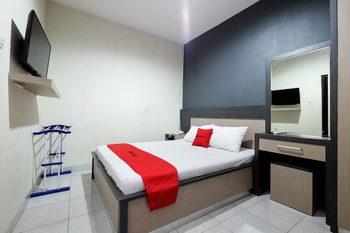 RedDoorz near Moro Mall Purwokerto Banyumas - RedDoorz Room Regular Plan
